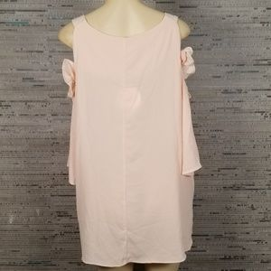 Umgee Tops - NWT 2X Umgee+ USA Cut Out Shoulder Blouse